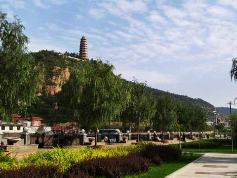 郑州旅游公司,河南旅游公司,郑州青年旅行社,延 安宝塔山