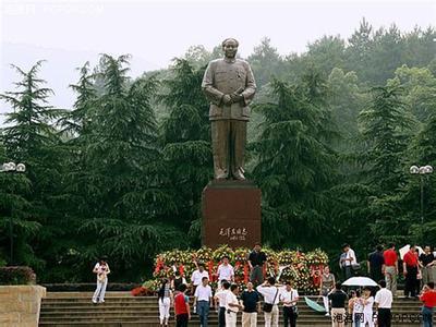 郑州旅游公司,河南旅游公司,郑州青年旅行社,毛泽东铜像