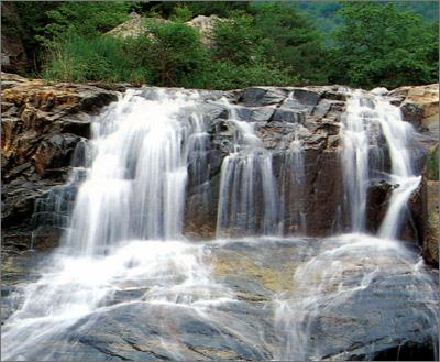 郑州旅游公司,河南旅游公司,郑州青年旅行社,韩 国仙游洞溪谷