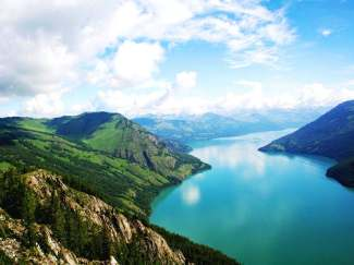 乌鲁木齐喀纳斯湖吐鲁番天山天池伊宁那拉提草原去卧回飞十二日游