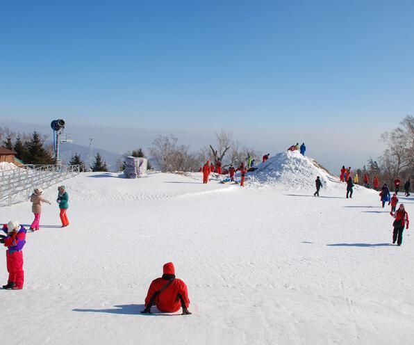 哈尔滨、亚布力、二浪河、雪乡、大雪谷、冰雪画廊、梦幻家园、冰