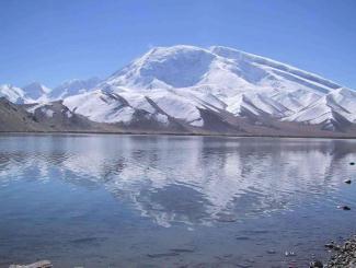 乌鲁木齐、巴音布鲁克草原、那拉提草原、喀纳斯湖、五彩滩、魔鬼城、吐鲁番、天山天池线双飞十一日深度游