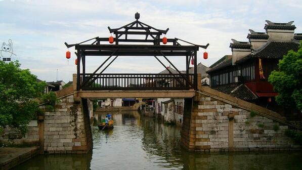 慢游水乡:周庄、乌镇、西湖、上海双飞五日游