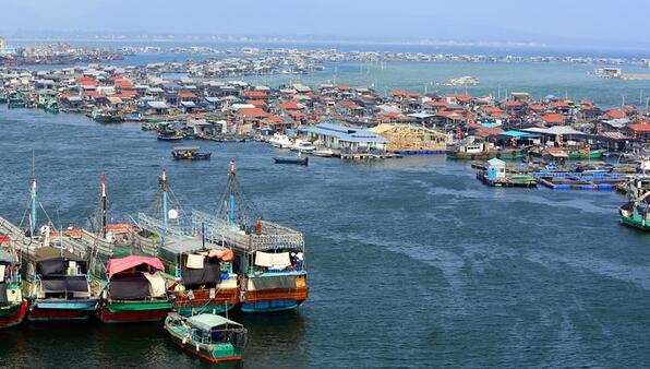 游艇比基尼:海南三亚