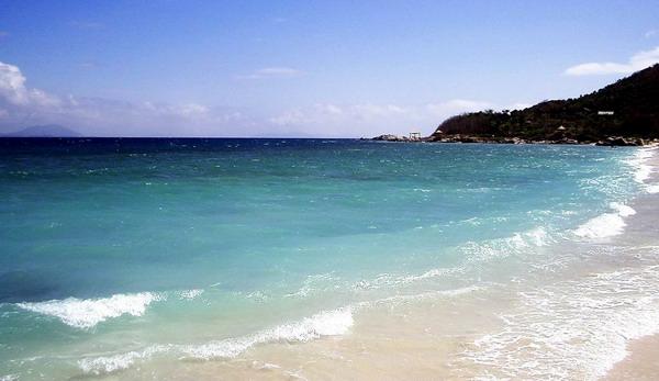 日本冲绳旅游景点-波之上海滩