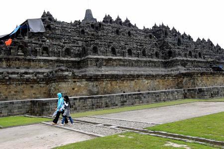 郑州旅游公司,河南旅游公司,郑州青年旅行社,印 度尼西亚婆罗浮屠