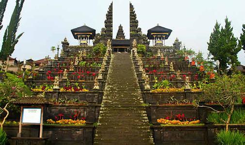 郑州旅游公司,河南旅游公司,郑州青年旅行社,巴 厘岛布撒基寺