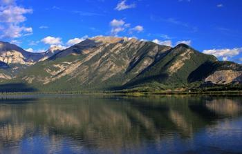 郑州旅游公司,河南旅游公司,郑州青年旅行社,加拿 大班芙国家公园