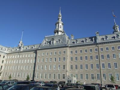 郑州旅游公司,河南旅游公司,郑州青年旅行社,加拿 大魁北克城神学院
