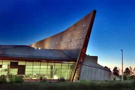 郑州旅游公司,河南旅游公司,郑州青年旅行社,加拿 大战争博物馆