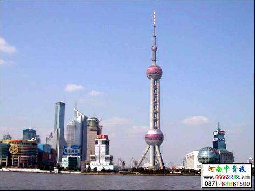 上海东方明珠的整个结构浑然一体